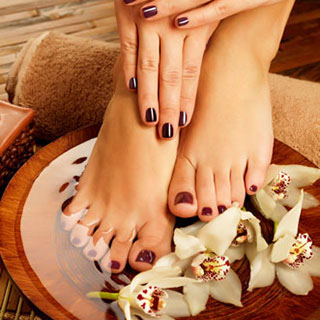 Nails service salon Boca Raton FL